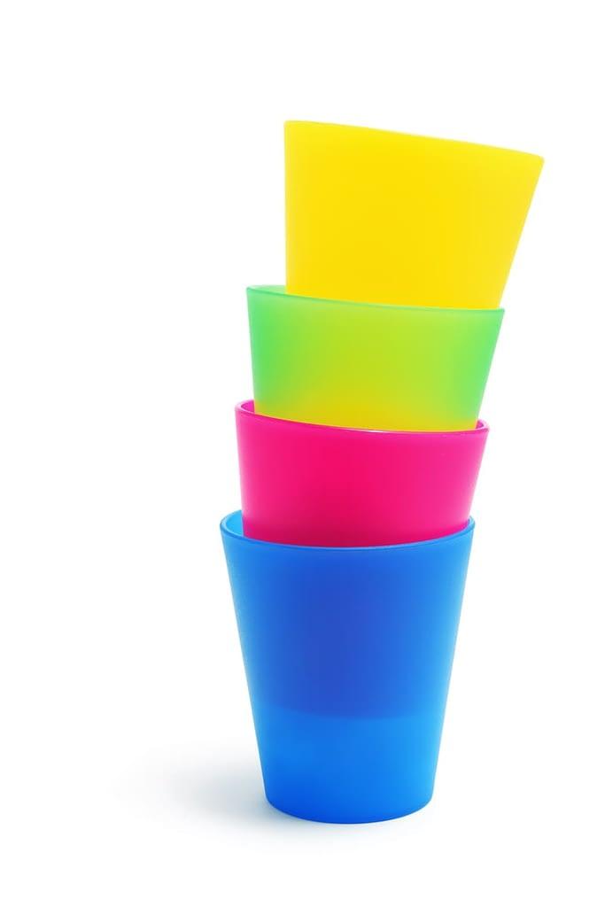 vasos de colores reutilizables